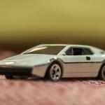 hot-wheels-lotus-espirit-s1-2